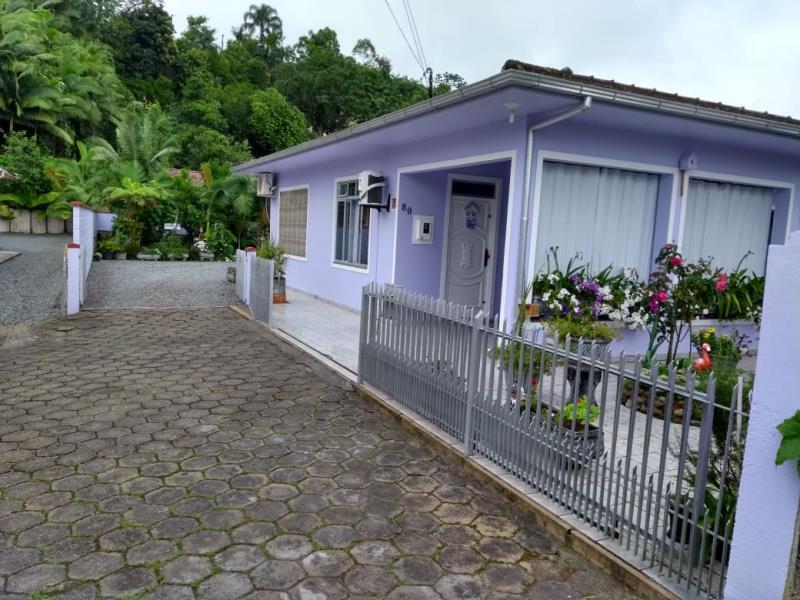 Casa Código 4142 a Venda no bairro Centro na cidade de Águas Mornas Condominio