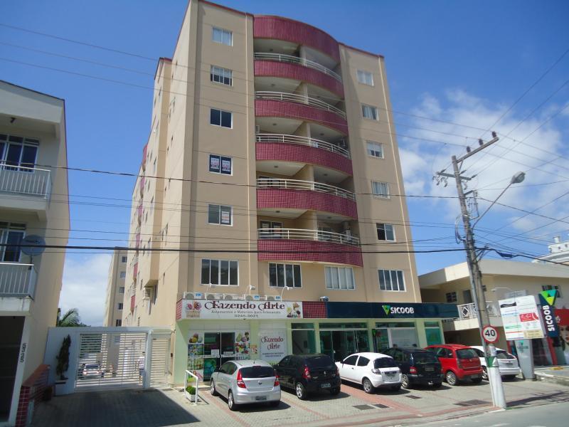 Apartamento Código 4143 para alugar no bairro Centro na cidade de Santo Amaro da Imperatriz Condominio  lenir besen