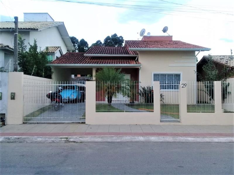 Casa Código 4226 a Venda no bairro Aririu na cidade de Palhoça Condominio