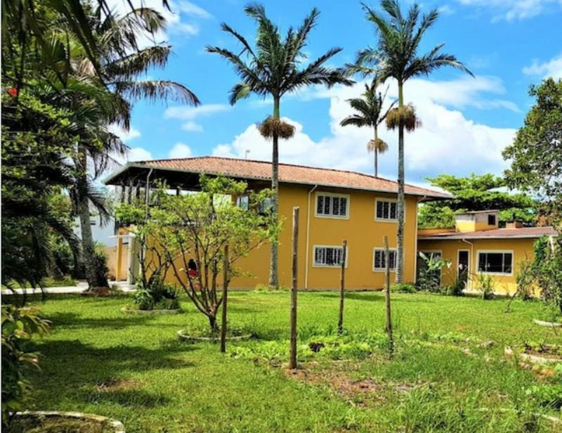 Casa Código 4250 a Venda  no bairro Praia de Fora na cidade de Palhoça