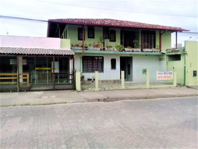 Casa Código 4256 a Venda no bairro Ponte do Imaruim na cidade de Palhoça Condominio