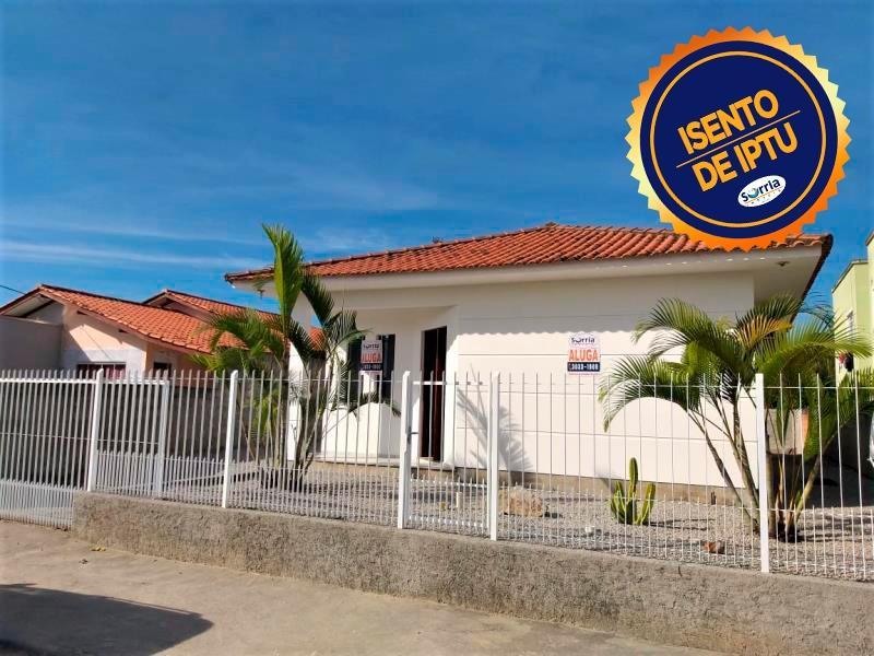 Casa Código 4292 para Alugar  no bairro Barra do Aririú na cidade de Palhoça