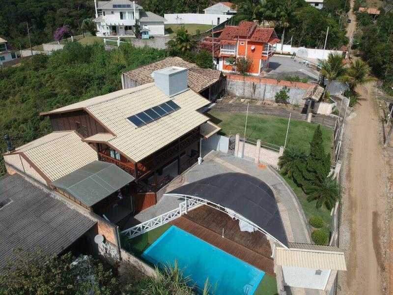 Casa Código 4333 para alugar no bairro Morro dos Ventura na cidade de Santo Amaro da Imperatriz Condominio