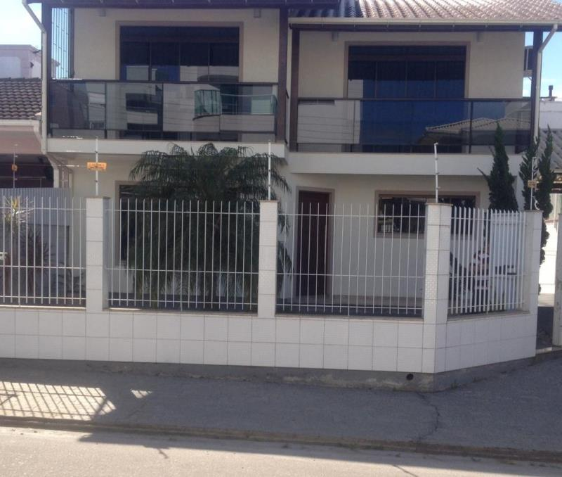Casa Código 4353 a Venda no bairro Pagani II na cidade de Palhoça Condominio