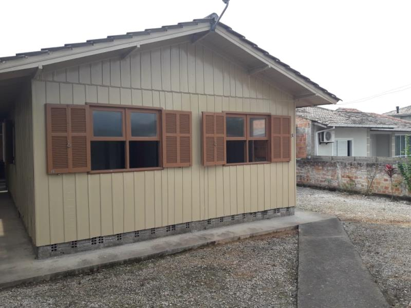 Casa Código 4361 para alugar no bairro São Francisco na cidade de Santo Amaro da Imperatriz Condominio