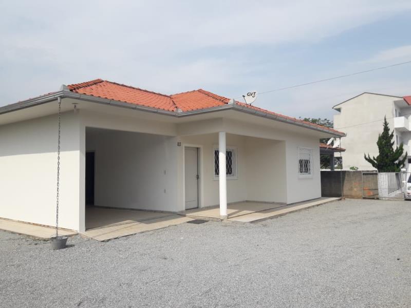 Casa Código 4365 para alugar no bairro Vila Becker na cidade de Santo Amaro da Imperatriz Condominio