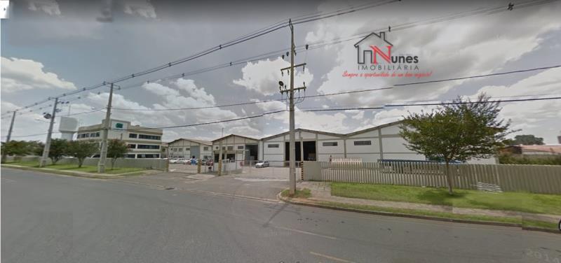 Barracão em Ouro Fino/ Costeira  em São José dos Pinhais, a 2000 metros do centro da cidade  Galpão Logístico/Industrial em São José dos Pinhais.  a 2000 metros do centro da cidade e 2,5 Km do Aeroporto e 75 km de Paranaguá  Próximo de grandes multinacionais como Volkswagen, Renault, O Boticário e Nutrimental.  Espaços de 4.000m² a 20.000m² componível,  2 Docas de carregamento  Pé direito de 6 a 9 m  4.000 / 6.000 / 10.000 / 16.000 e 20.000m²  a pronta entrega ao preço de R$ 8,00m²   ENTRE EM CONTATO CONOSCO, SAIBA MAIS E AGENDE SUA VISITA: 41 3090-9600  * CRECI-5061-J  ** Valor sujeito à alterações sem aviso prévio.