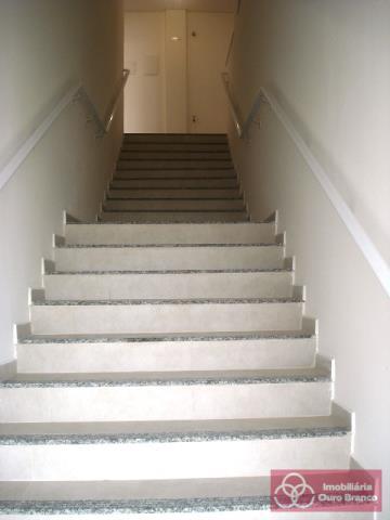 Escada de acesso as sala do piso superior