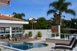 Salão de festas e piscina