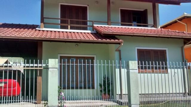 Casa - Código 701 a Venda no bairro Carianos na cidade de Florianópolis - Condomínio