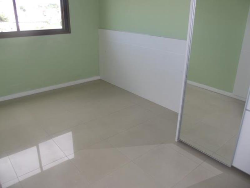 Quarto de Casal (Suíte) com armários planejados