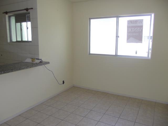 Sala com acesso a cozinha