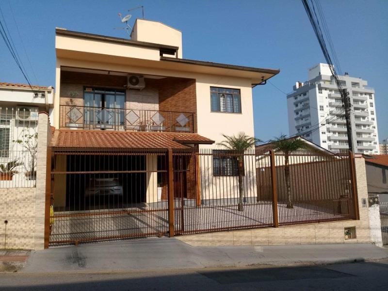Casa - Código 828 a Venda no bairro Barreiros na cidade de São José - Condomínio
