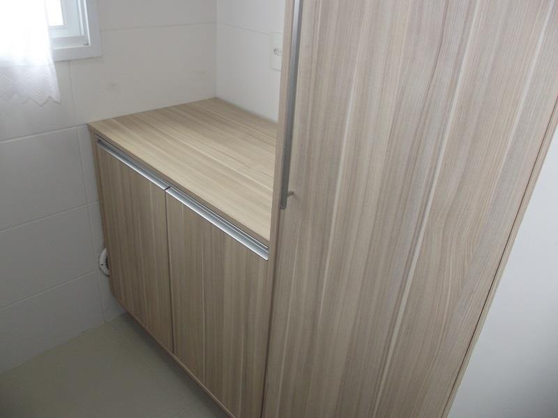 Área de Serviço com armários