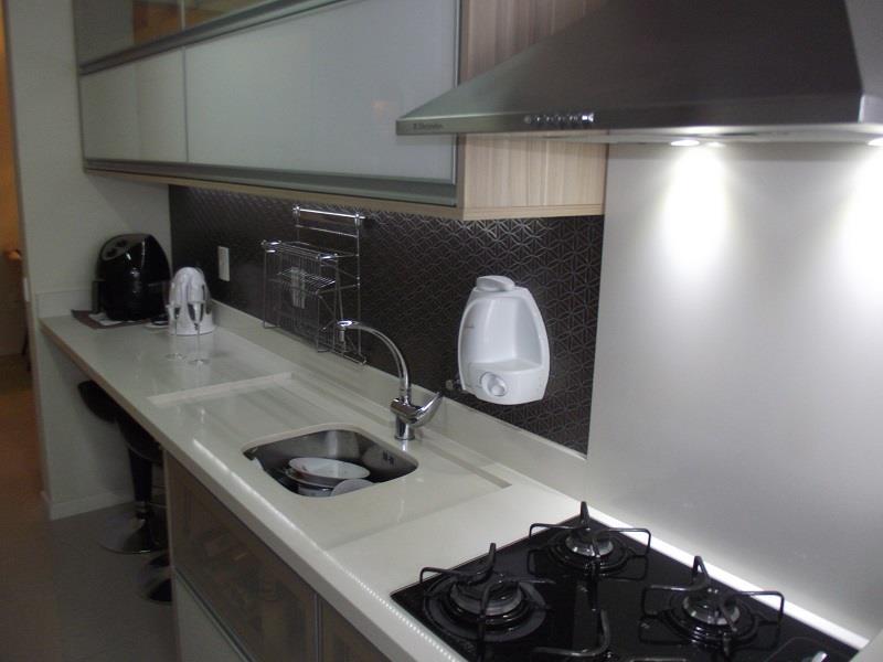 Cozinha com móveis planejados de ótima qualidade