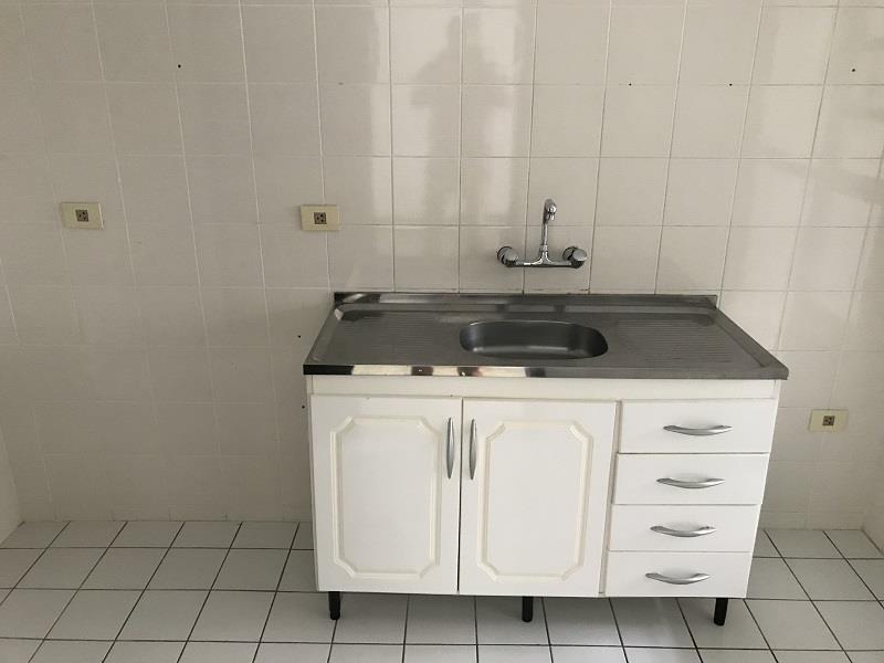 Cozinha com armários