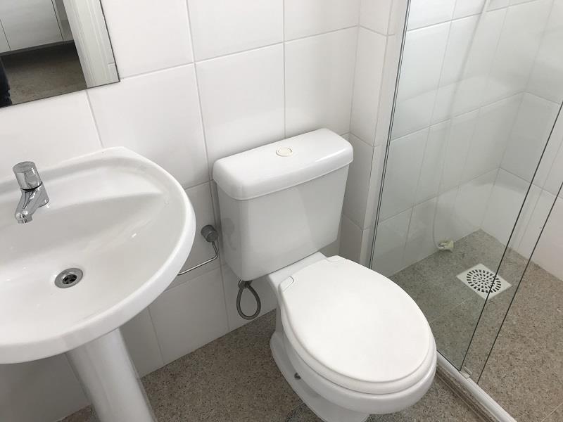 Banheiro área de serviço montado