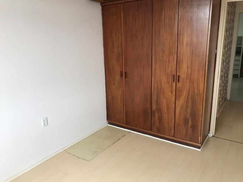 Quarto de Casal com armários