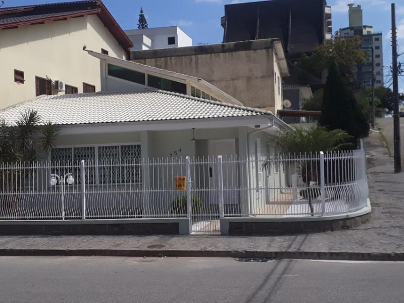 Casa - Código 1070 a Venda no bairro Canto na cidade de Florianópolis - Condomínio