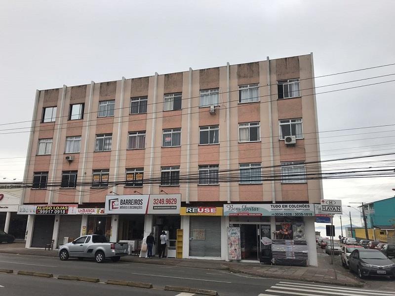 Apartamento - Código 951 a Venda no bairro Barreiros na cidade de São José - Condomínio Residencial Trianon