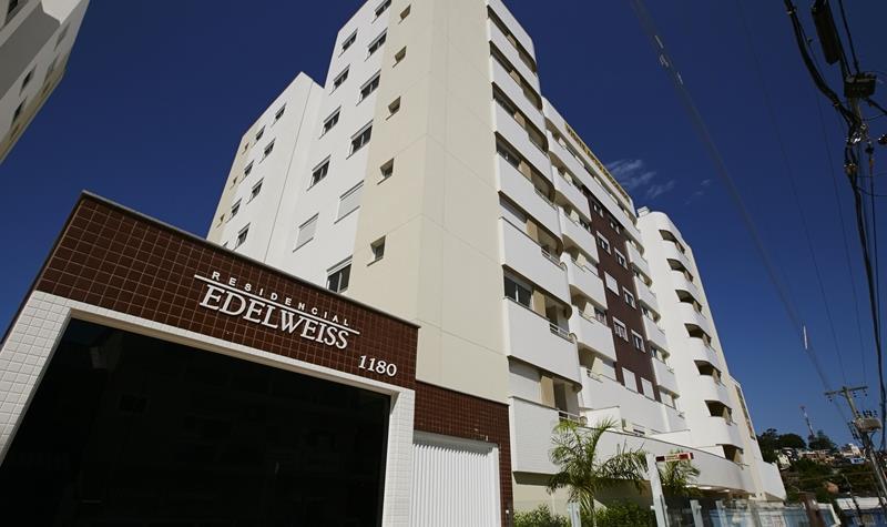 Apartamento - Código 999 a Venda no bairro Capoeiras na cidade de Florianópolis - Condomínio Residencial Edelweiss