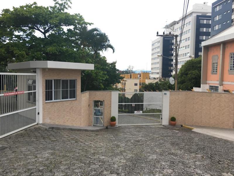Apartamento - Código 3 a Venda no bairro Capoeiras na cidade de Florianópolis - Condomínio Residencial Ivo Silveira