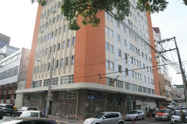 Apartamento - Código 968 Aluguel Anual TRABALHADOR CATARINENSE no bairro Centro na cidade de Florianópolis