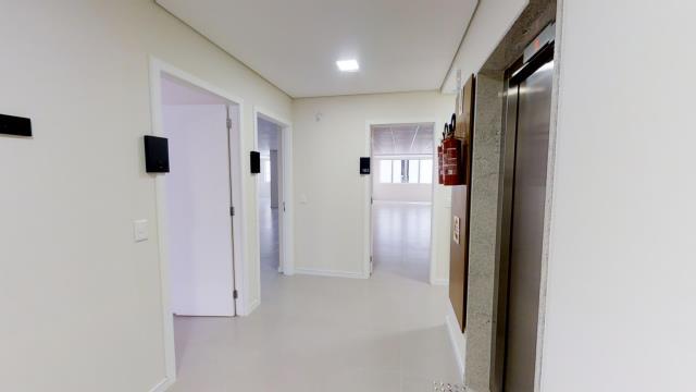 Sala - Código 1420 Aluguel Anual e Venda Lumière no bairro Centro na cidade de Florianópolis