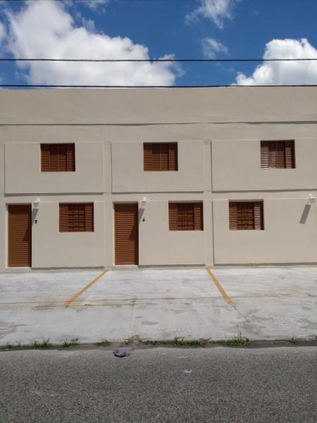 Apartamento - Código 1451 Aluguel Anual  no bairro Carianos na cidade de Florianópolis