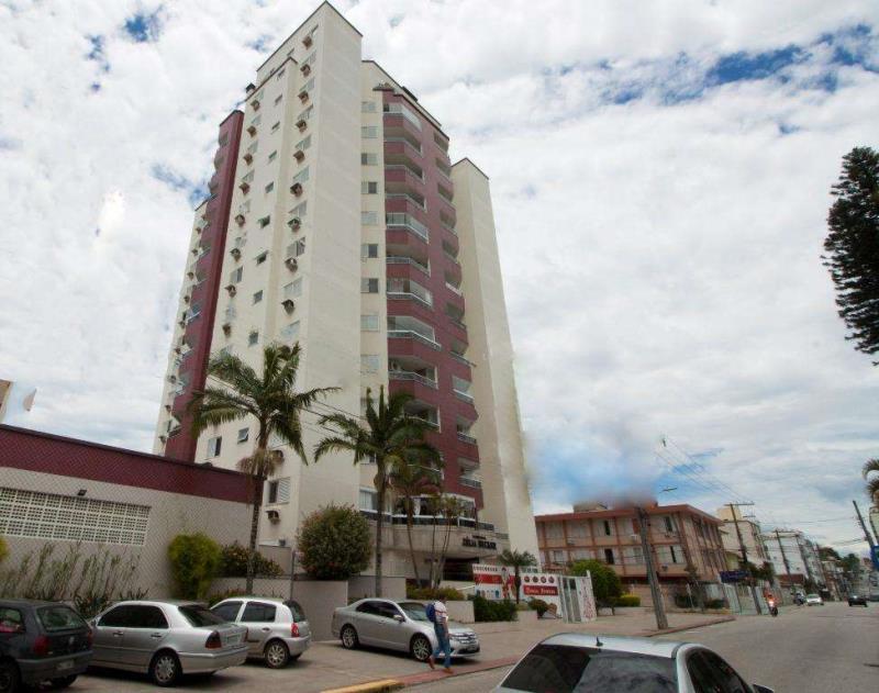 Apartamento - Código 808 a Venda no bairro Canto na cidade de Florianópolis - Condomínio ZELIA BECKER