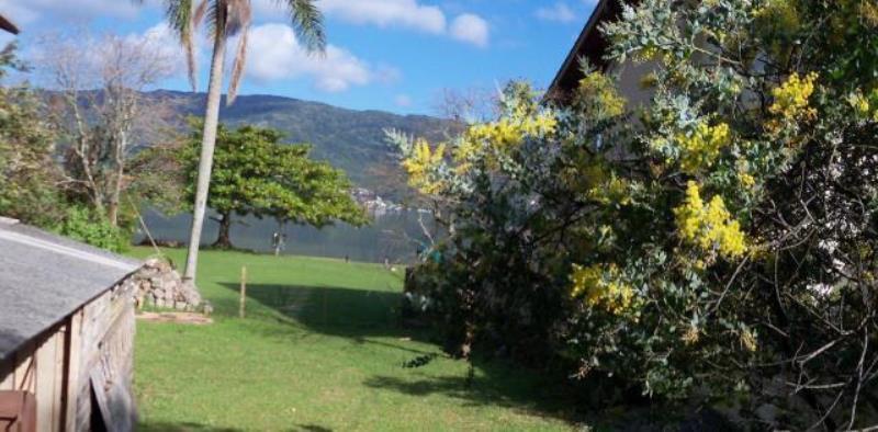 Terreno-Codigo-224-a-Venda-no-bairro-Lagoa-da-Conceição-na-cidade-de-Florianópolis