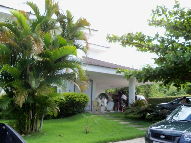 Casa-Codigo-251-a-Venda-no-bairro-Rio-Tavares-na-cidade-de-Florianópolis