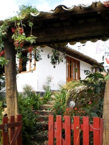 Casa-Codigo-283-a-Venda-no-bairro-Costa-da-Lagoa-na-cidade-de-Florianópolis