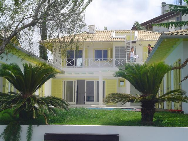 Casa-Codigo-292-a-Venda-no-bairro-Lagoa-da-Conceição-na-cidade-de-Florianópolis