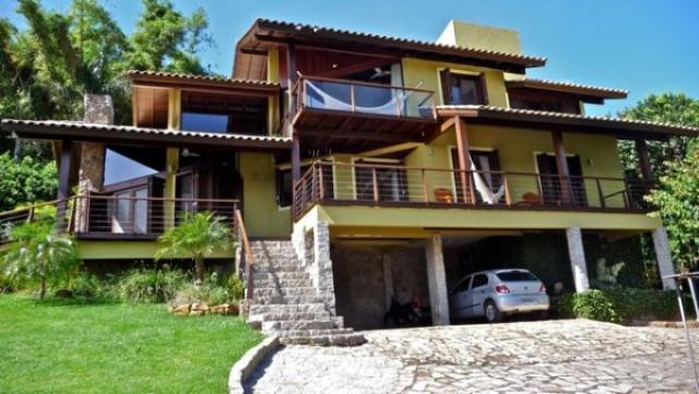 Casa-Codigo-296-a-Venda-no-bairro-Canto-dos-Araças-na-cidade-de-Florianópolis
