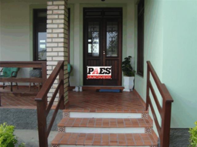 28. Portas e janelas com bandeira em madeira de lei fabricadas em Itauba