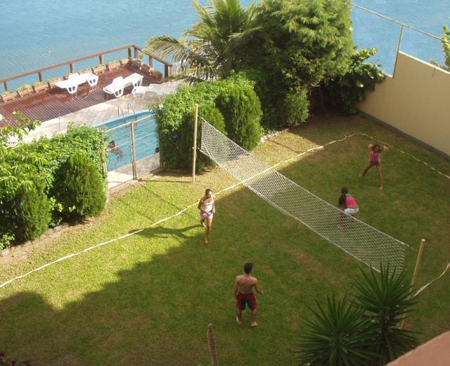 10. Quadra e piscina