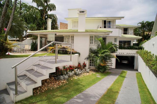 Casa-Codigo-368-a-Venda-no-bairro-Lagoa-da-Conceição-na-cidade-de-Florianópolis