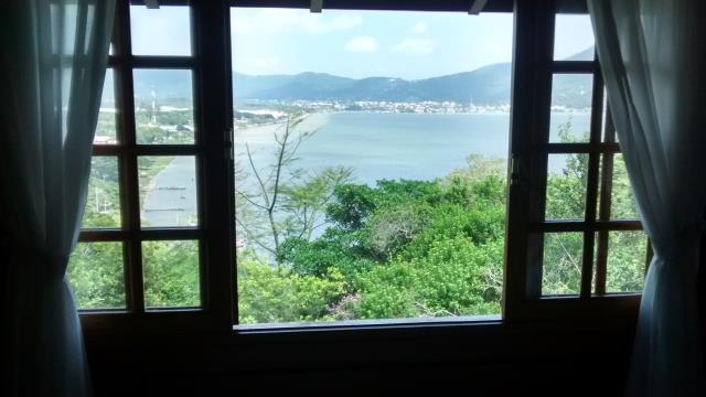 23. Suíte com linda vista para a Lagoa da Conceição