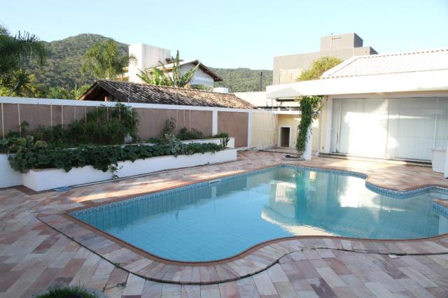 Casa-Codigo-422-a-Venda-no-bairro-Lagoa-da-Conceição-na-cidade-de-Florianópolis