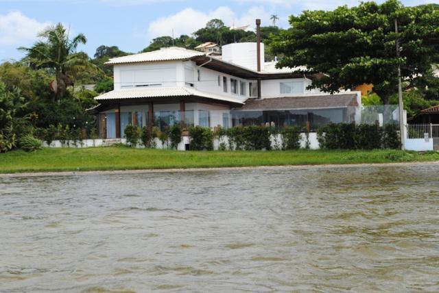 Casa-Codigo-517-a-Venda-no-bairro-Lagoa-da-Conceição-na-cidade-de-Florianópolis