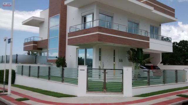 Casa-Codigo-550-a-Venda-no-bairro-Lagoa-da-Conceição-na-cidade-de-Florianópolis