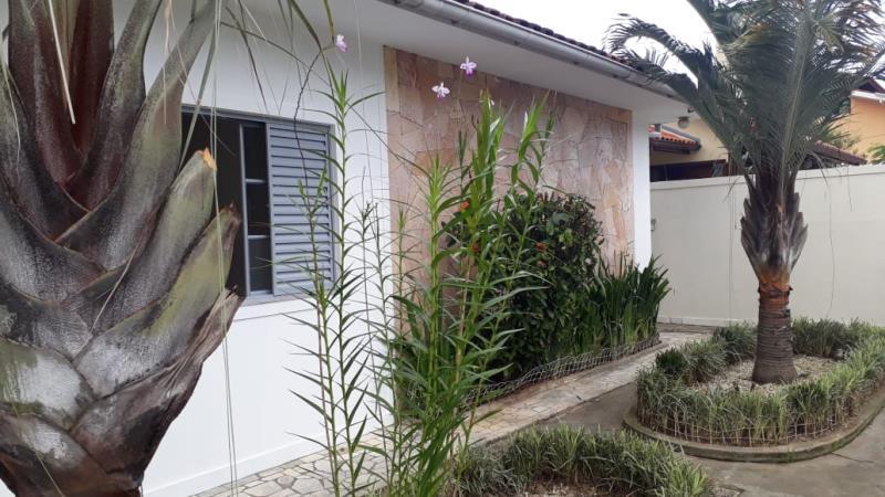 Casa-Codigo-23-para-alugar-no-bairro-Lagoa-da-Conceição-na-cidade-de-Florianópolis