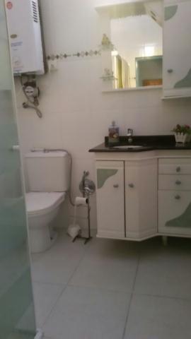 26. Banheiro piso superior