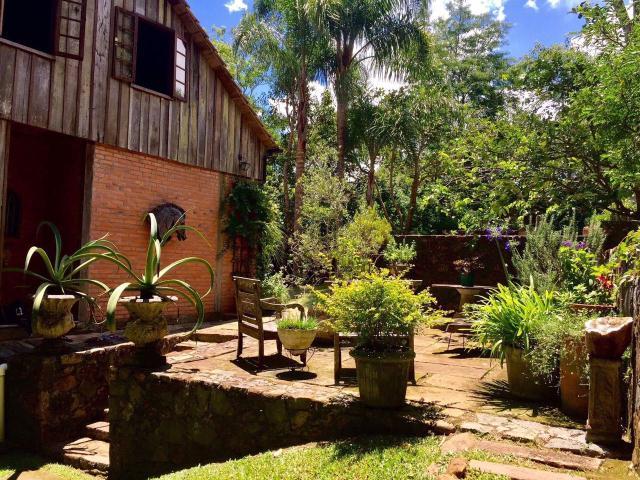 Casa-Codigo-722-a-Venda-no-bairro-Lagoa-da-Conceição-na-cidade-de-Florianópolis