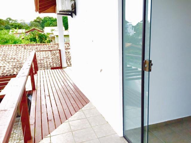 Casa-Codigo-831-a-Venda-no-bairro-Lagoa-da-Conceição-na-cidade-de-Florianópolis