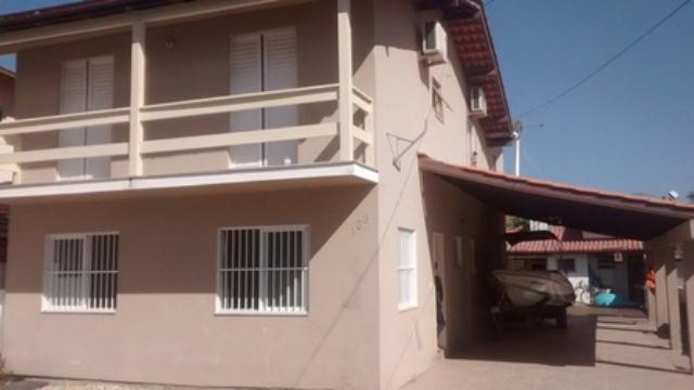 Casa-Codigo-863-a-Venda-no-bairro-Barra-da-Lagoa-na-cidade-de-Florianópolis