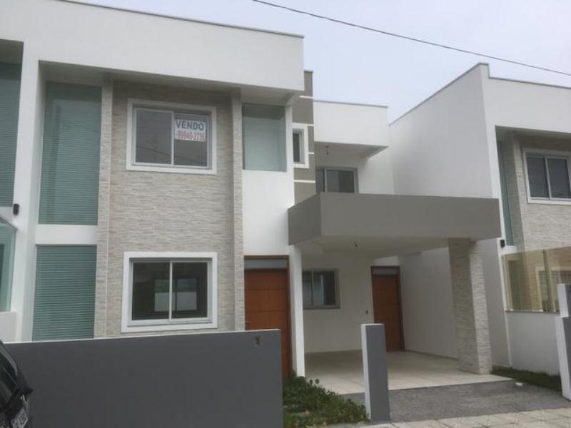 Casa-Codigo-904-a-Venda-no-bairro-Rio-Tavares-na-cidade-de-Florianópolis