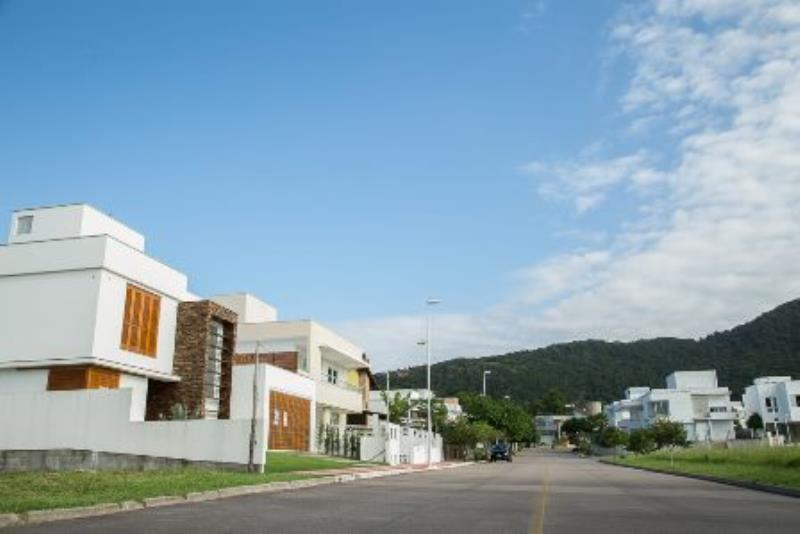 Casa-Codigo-918-a-Venda-no-bairro-Lagoa-da-Conceição-na-cidade-de-Florianópolis
