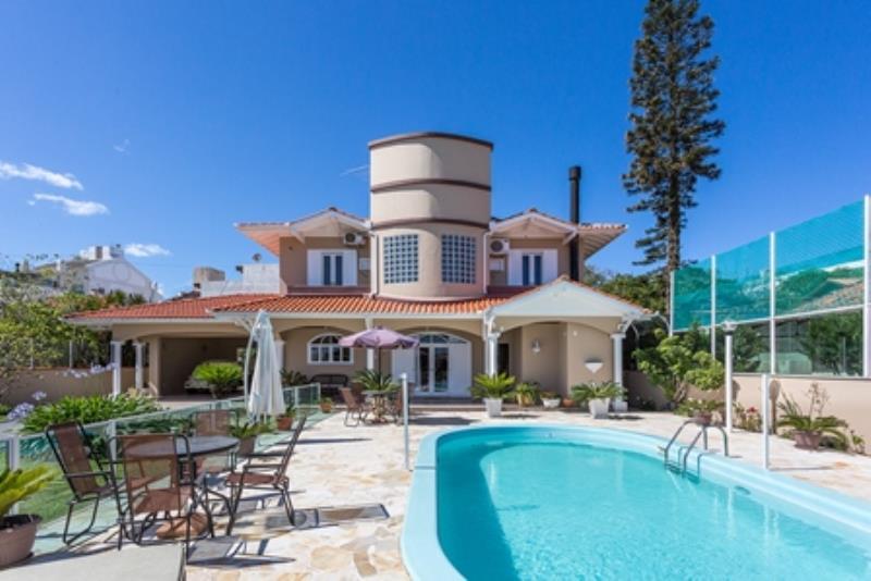 Casa-Codigo-952-a-Venda-no-bairro-Campeche-na-cidade-de-Florianópolis